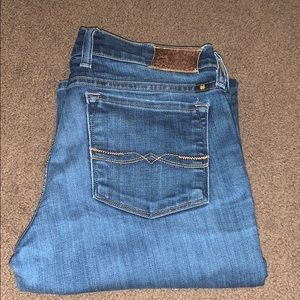 Barely worn lucky brand jeans.